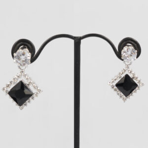 Small Shining Diamond Style Fashionable Earrings