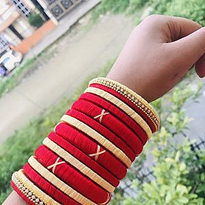 Cream and Red Bangle Set