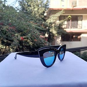 Ladies Plastic Sunglass-Cat Shape Blue Mercury Shade