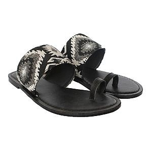 Theea Threadwork Strap One Toe Black Flat for Women
